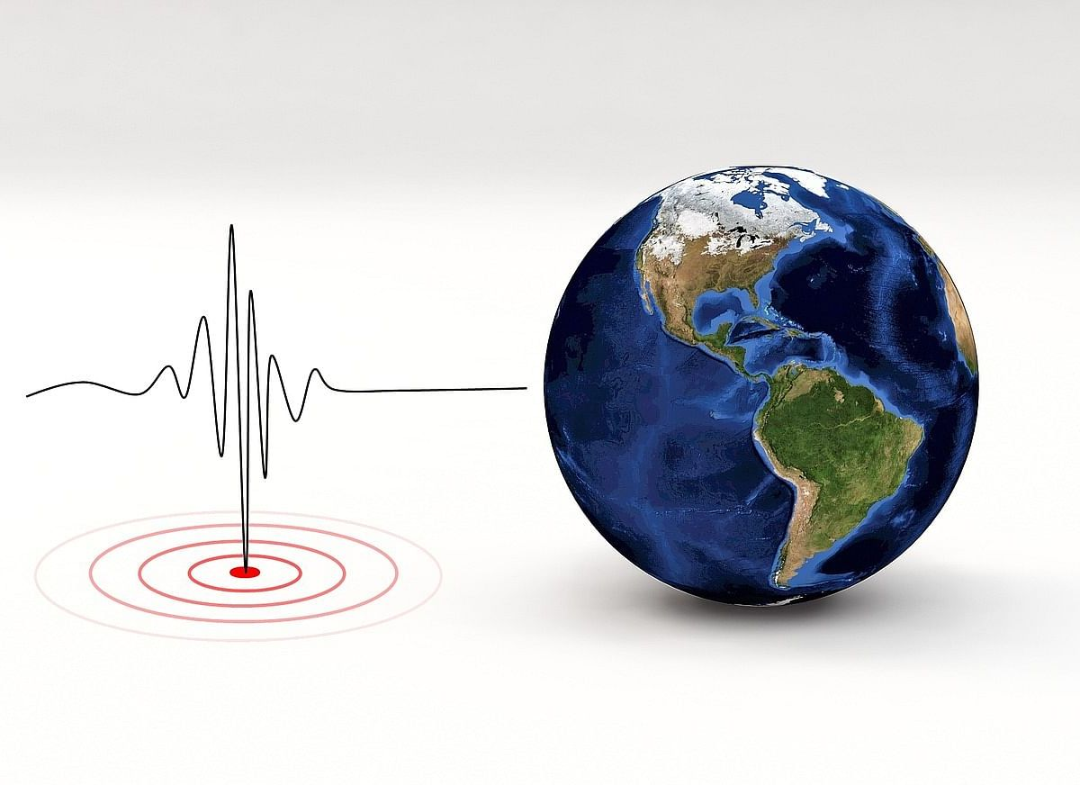 Japan quake measuring 7.2 on the Richter Scale