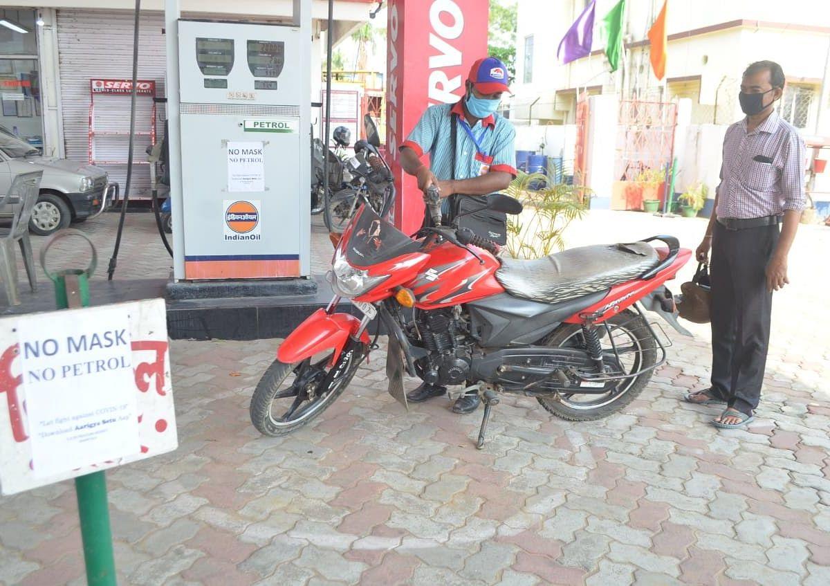 Mizoram orders fuel rationing as Assam blockade continues