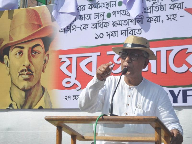 Manik Sarkar addressing a rally in Agartala