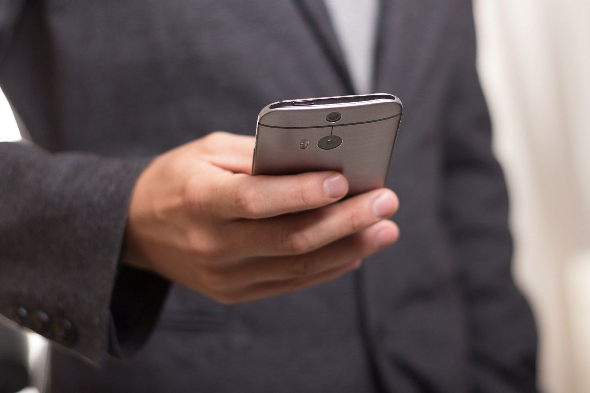 Is your phone really listening to your conversations?