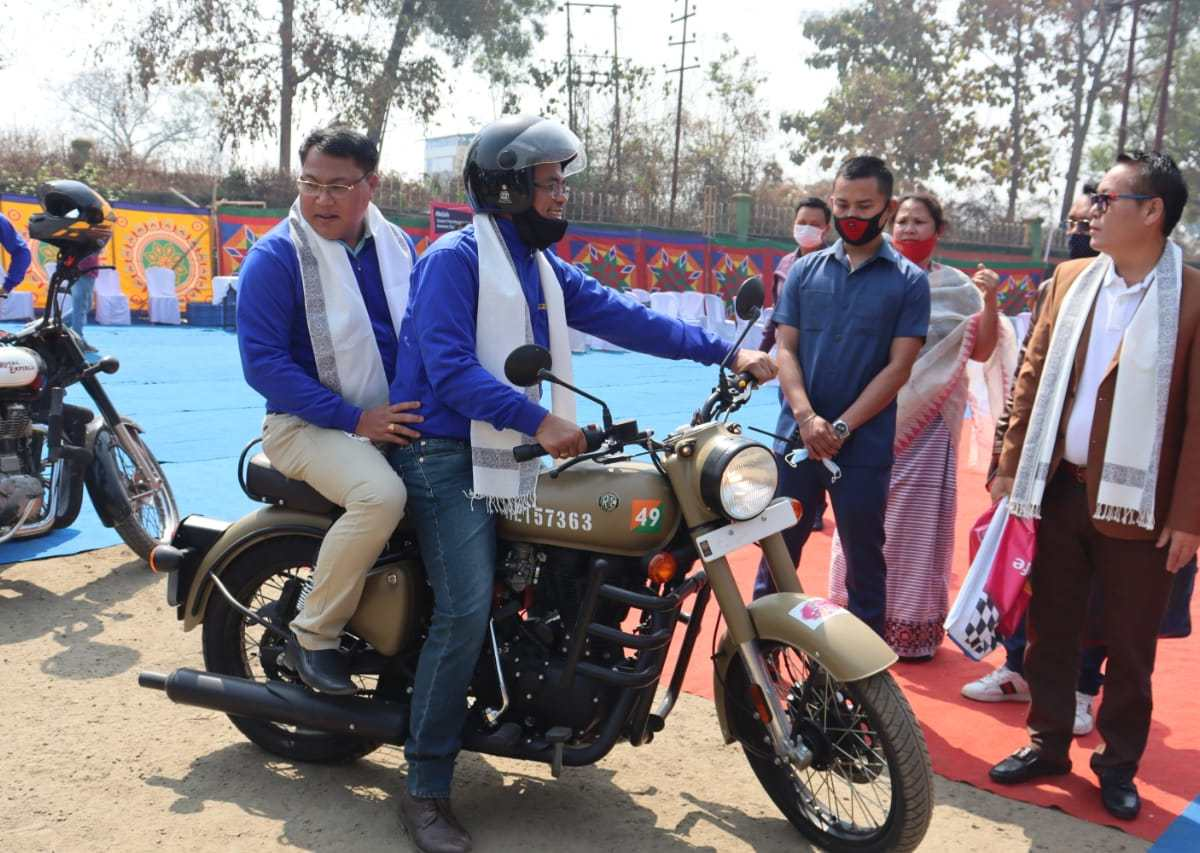 Minister Letpao flags off 'Bike Rally' for health and life skills of adolescent