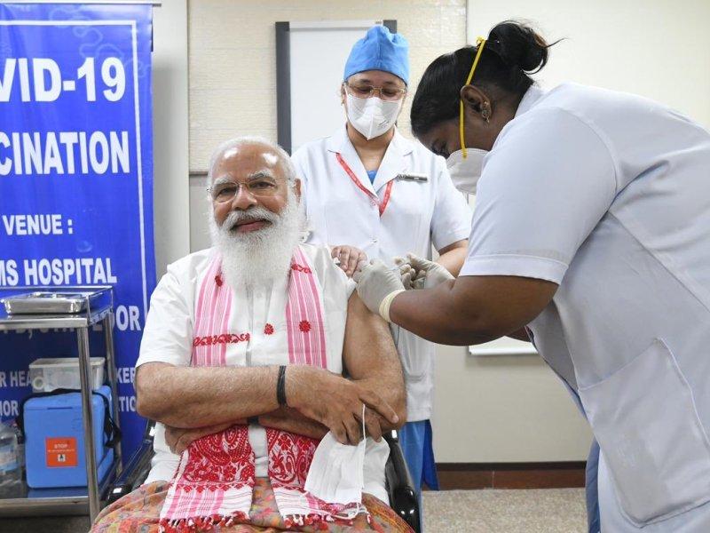 PM Modi takes vaccine shot