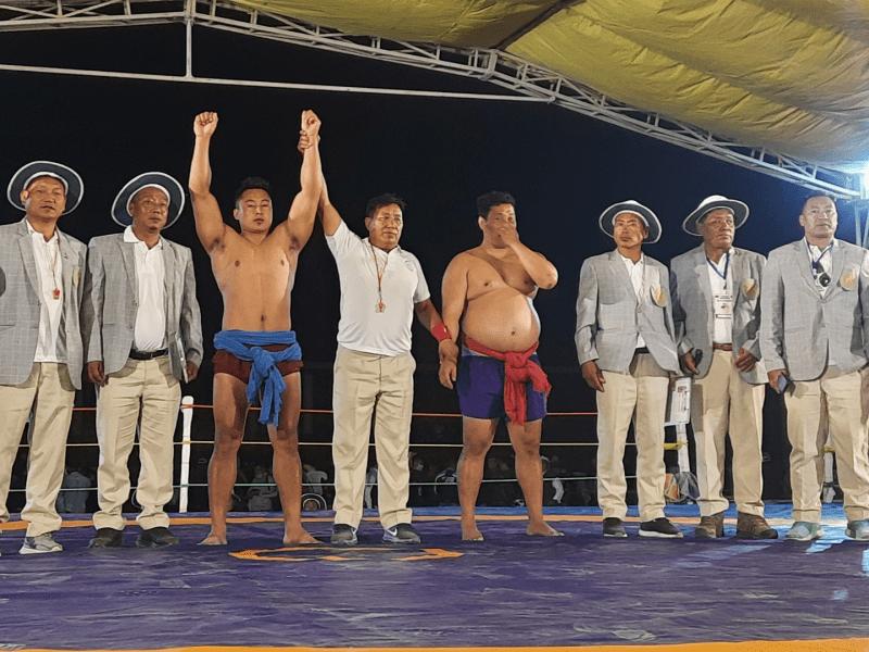 Naga wrestling