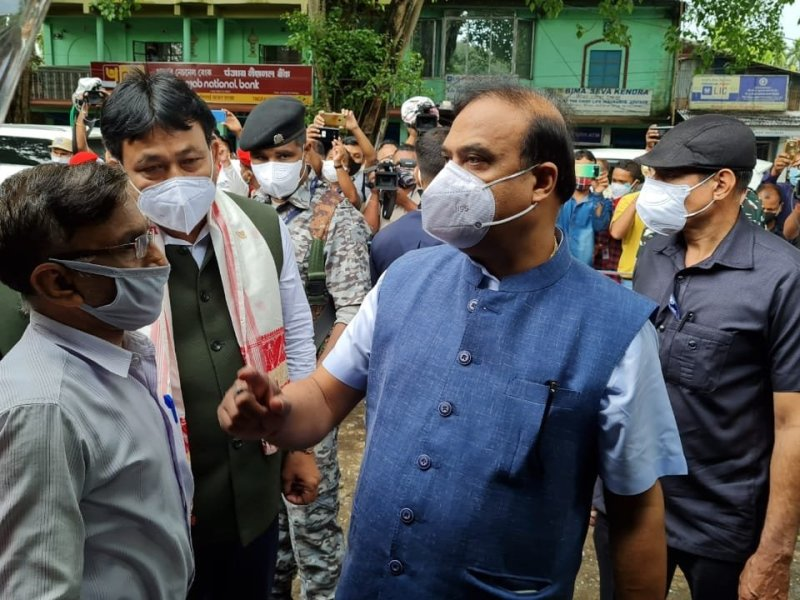 Assam CM visits Digboi blast site, announces compensation