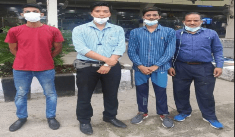 Paras Singh (second from right) along with Arunachal Police personnel will reach Arunachal later on Thursday
