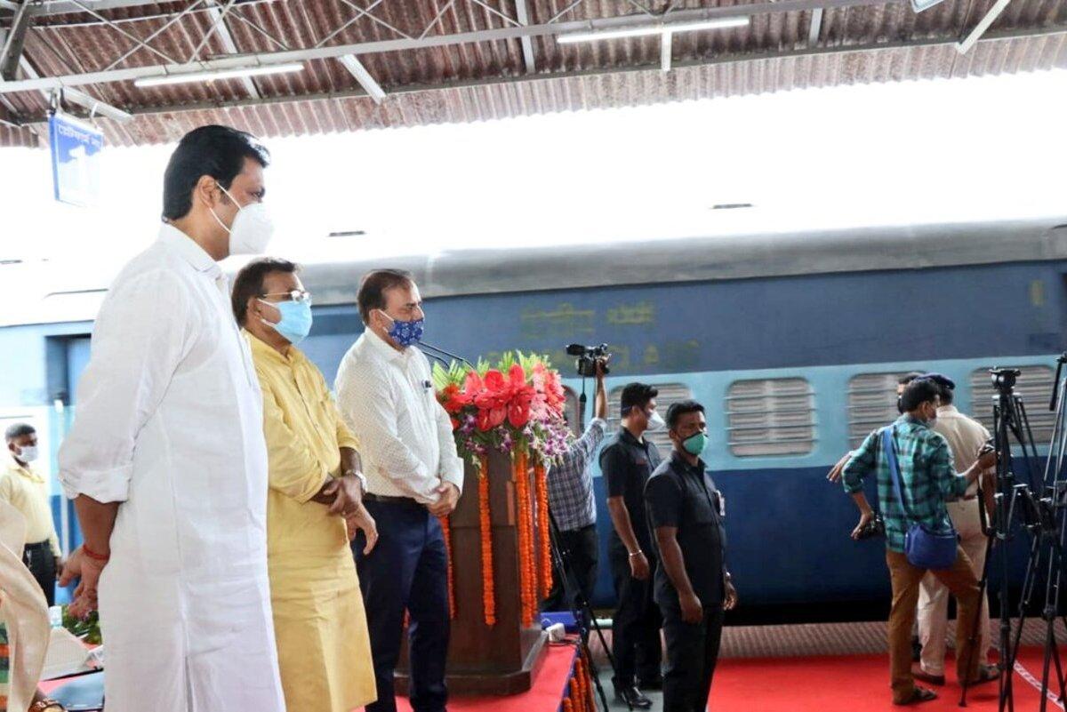 Tripura CM flags off Northeast's first 'Kisan Rail' from Agartala