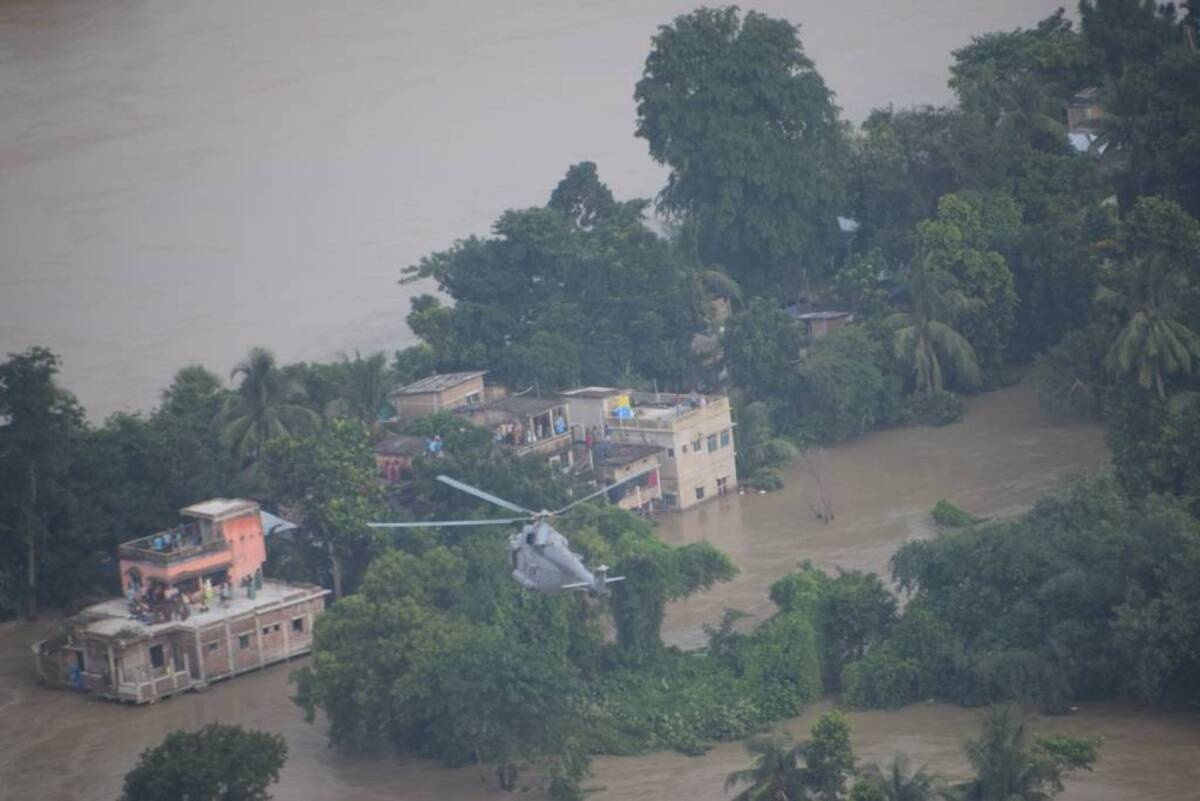 14 dead, 2.5 lakh displaced as heavy rain, water from dams flood Bengal