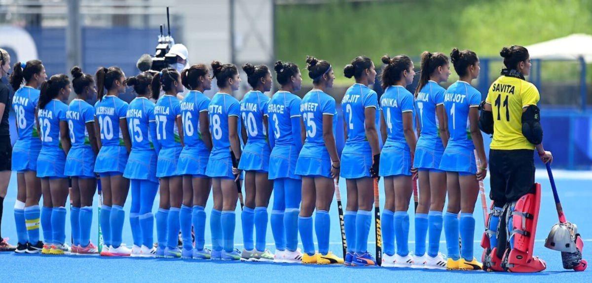 Indian women's hockey team breaks down while talking to PM Modi