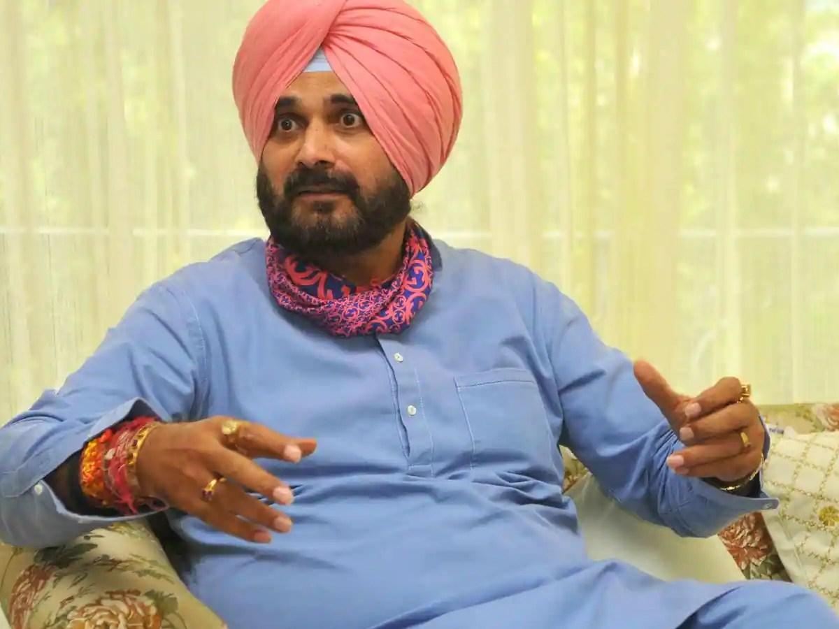Navjot Sidhu resigns as Punjab Congress chief, triggers crisis in party