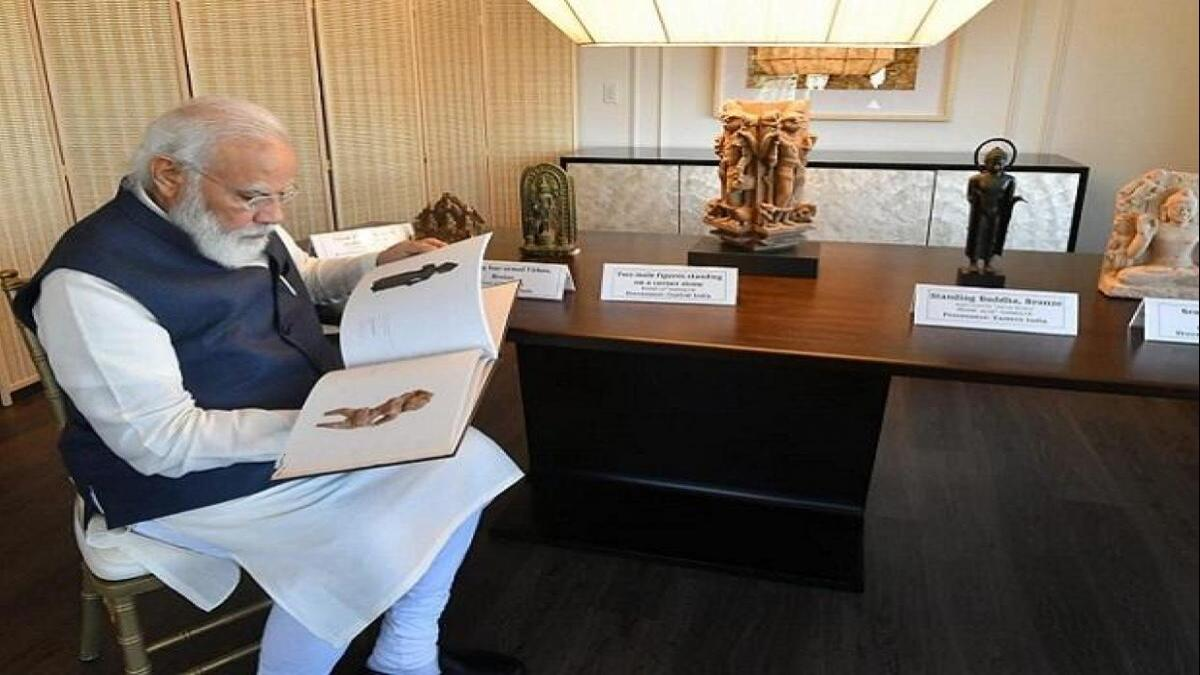 India thanks New York authorities for returning over 150 antiquities