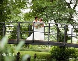 Easton Grange real wedding: Collette and Liz