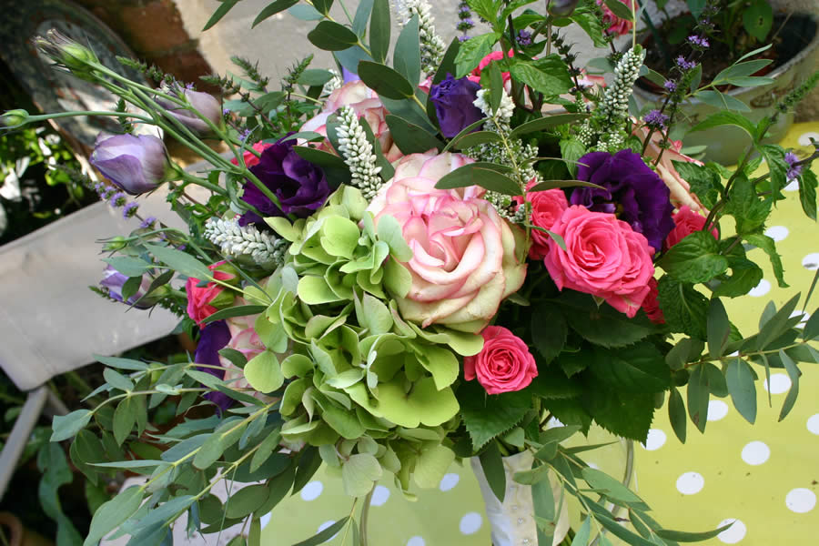 Wedding flowers for Spring and Summer