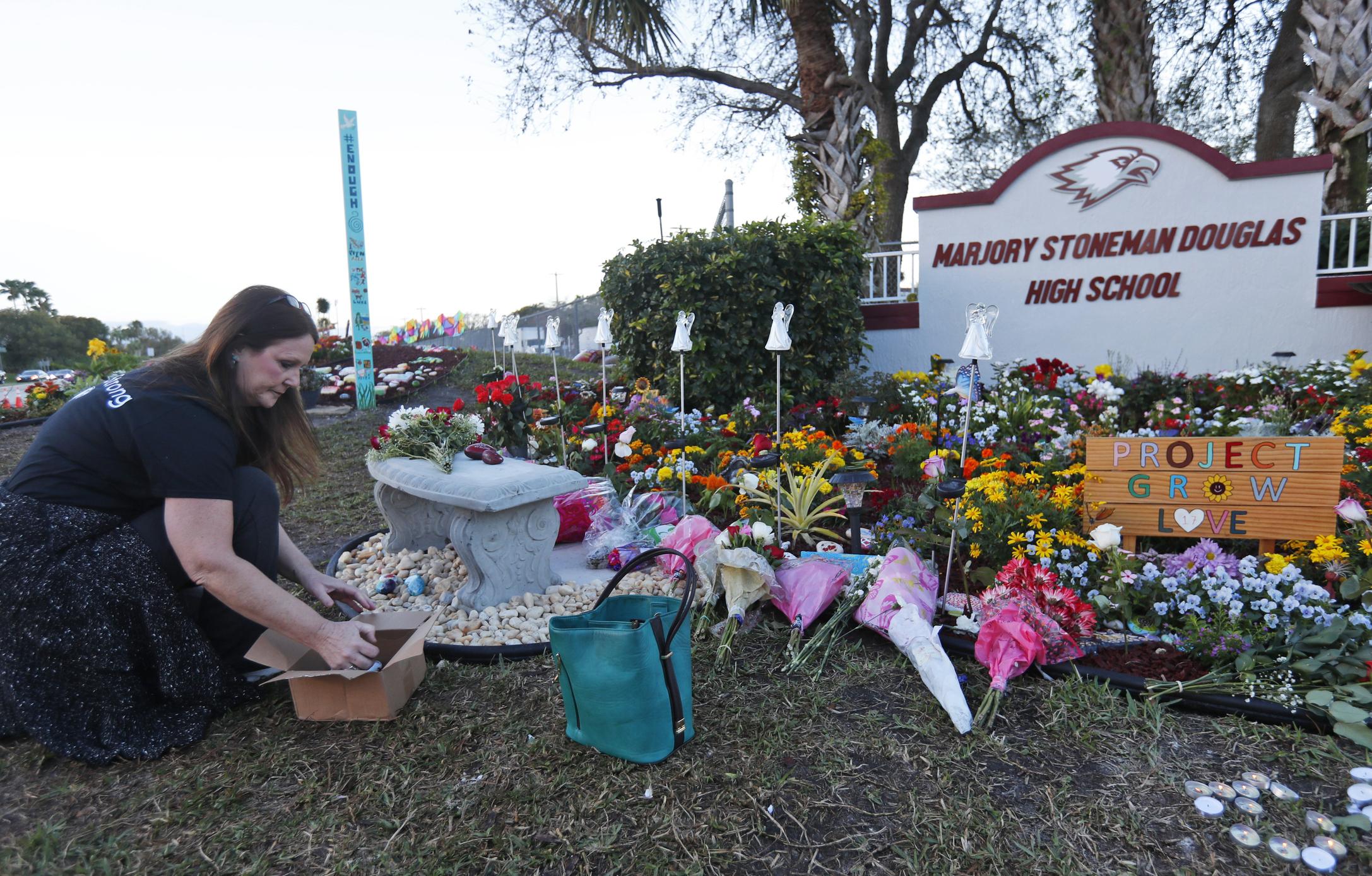School_Shooting_Florida_79168-159532.jpg71978627