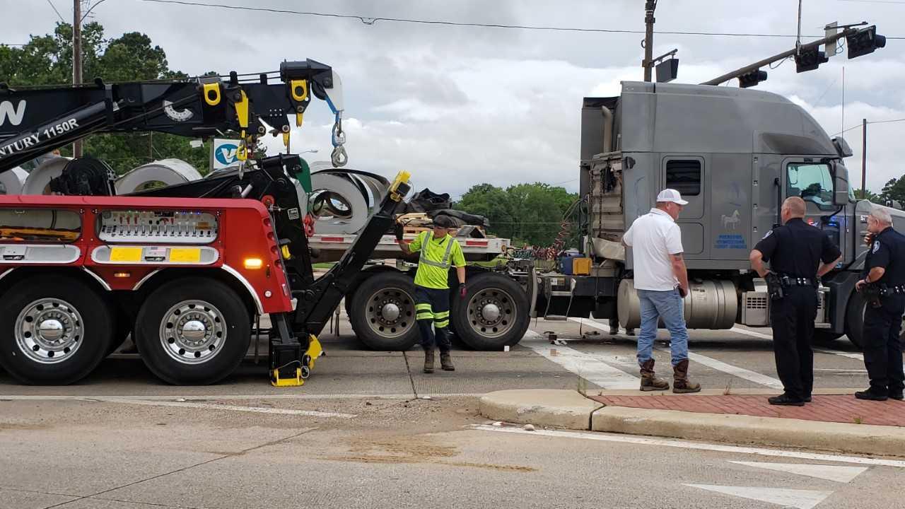 truck accident_1556818477463.jpg.jpg