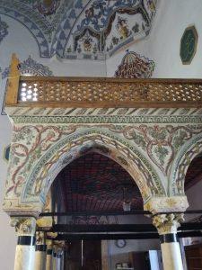 Prizren džamija - stubovi iz crkve