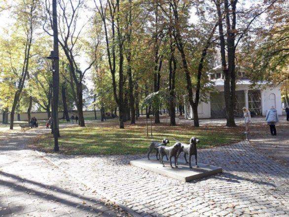 Vilnjus spomenik psima lutalicama