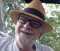 Columnist Robert Thomas