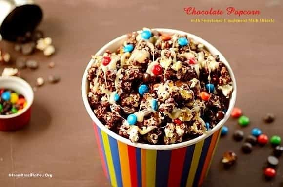 Quick Chocolate Popcorn with Condensed Milk Drizzle (Pipoca de Chocolate)