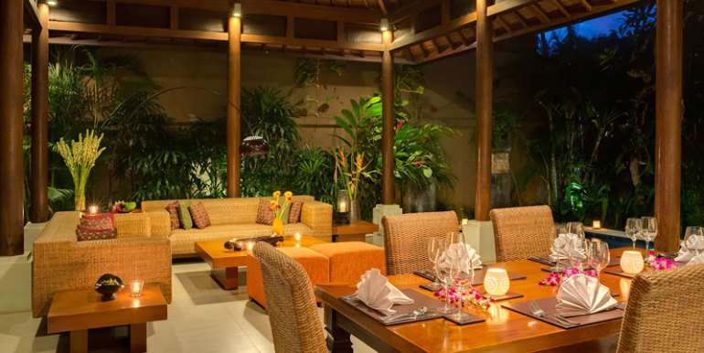LAK-Dining-and-living-areas-at-night