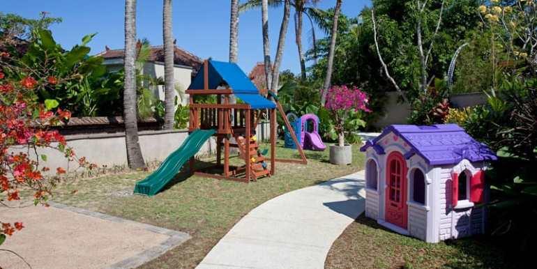 Dea-Villas-Playground