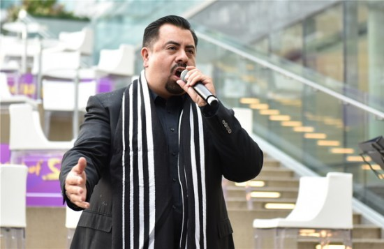27、加拿大著名歌唱家Romulo Delgado演唱中英文歌曲