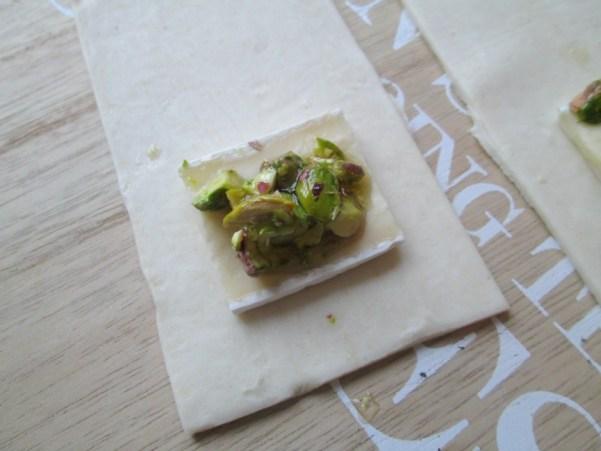 bladerdeeghapjes met brie