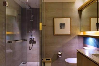 DayDream Deluxe - Bathroom at The Nap Patong