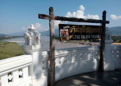 chiang rai - golden triangle sign with river view