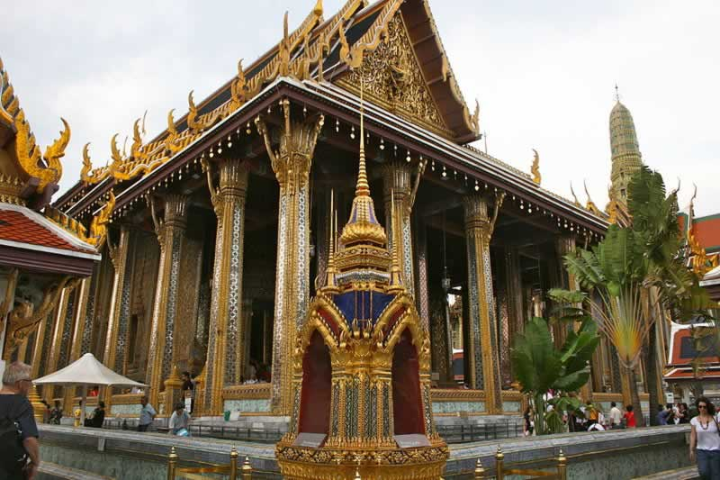 How to dress in Thailand temples