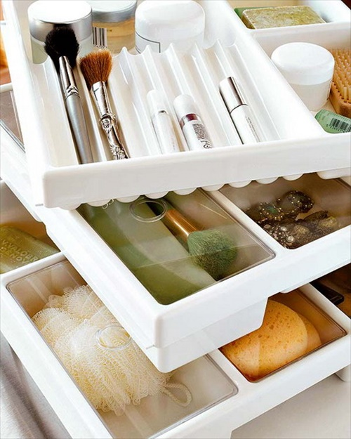 Cool DIY makeup organizer