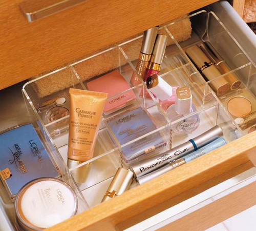 Awesome cosmetics organizer