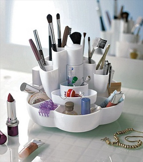 Cool DIY Cosmetic Organizer