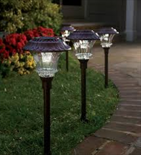 Decorating your garden with solar lamp