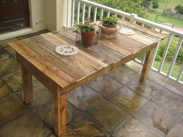 DIY wooden pallet project
