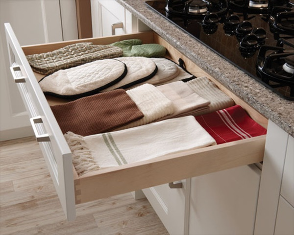 simple DIY towel storage ideas