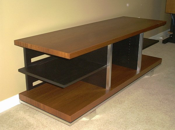 How to make a TV Table at home