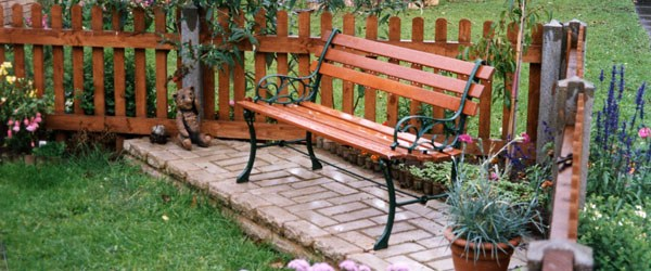making bench for outdoor from pallet