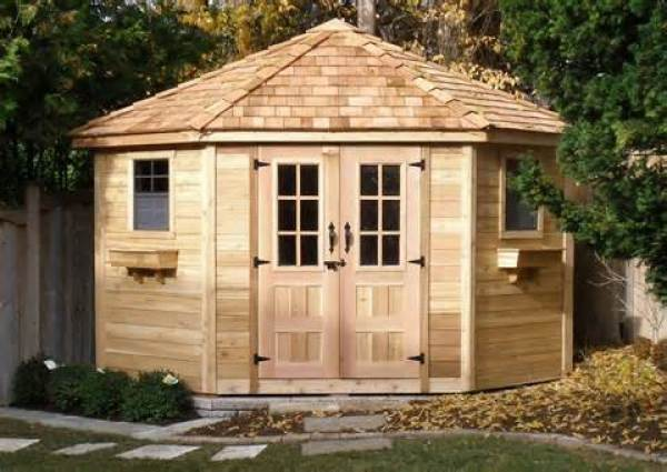 Easy DIY pallet house