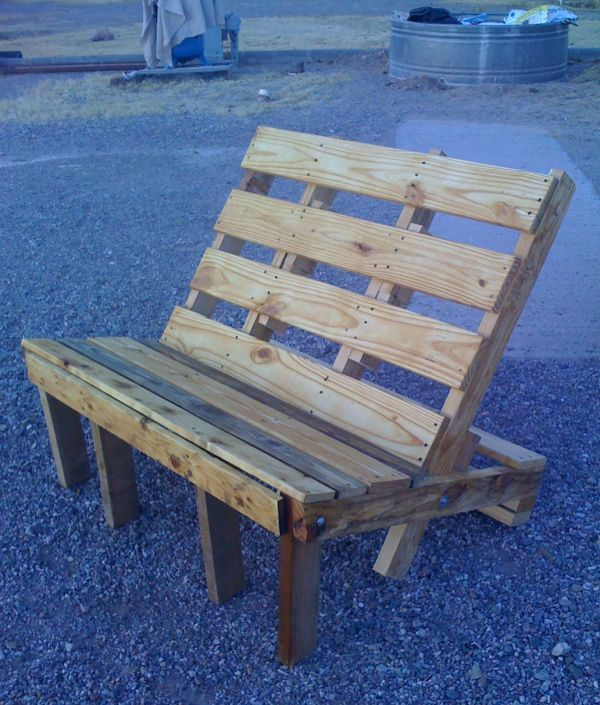 Easy DIY chair out of pallet