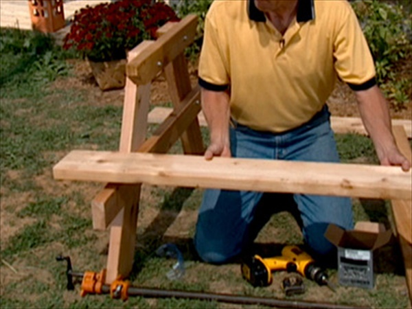 build a wood picnic table
