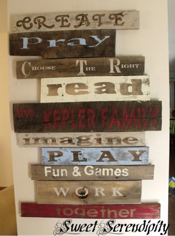 DIY pallet wall decor