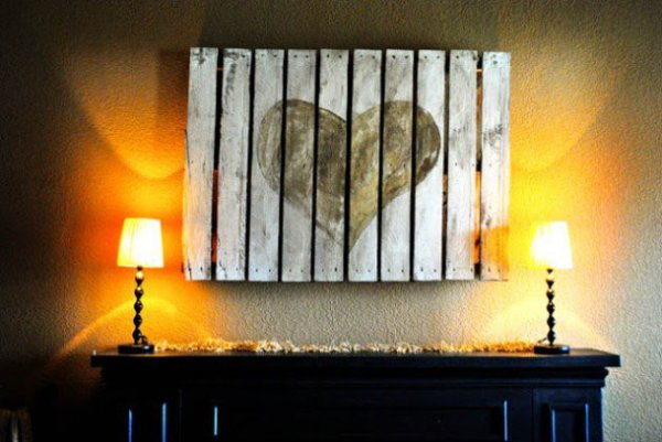 DIY pallet wall art