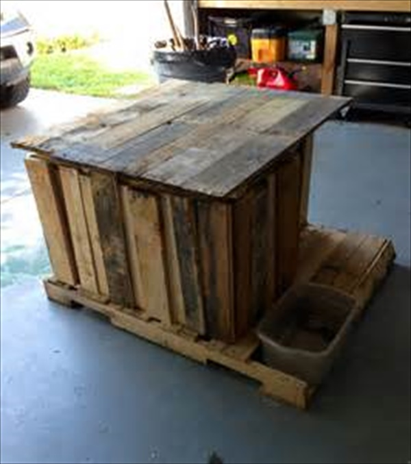 how to make a pallet dog house