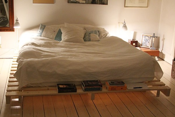 Easy pallet bed plans