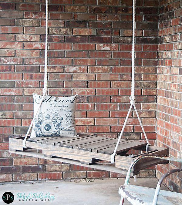 DIY EAsy pallet swing