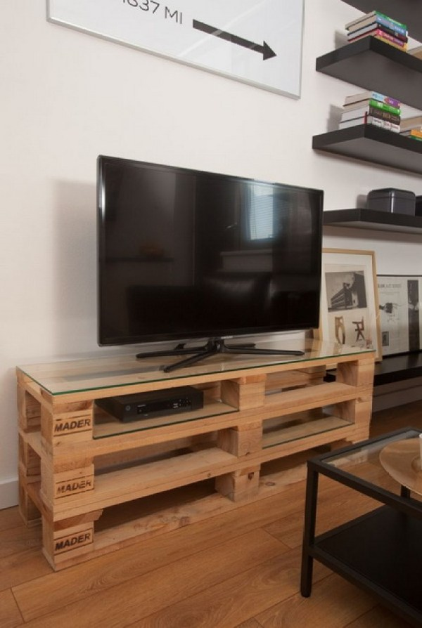 DO IT YOUR SELF TV STAND
