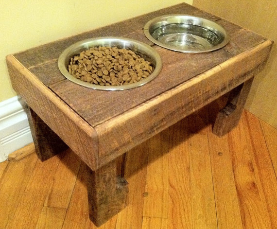 DIY rustic pallet bowl stand