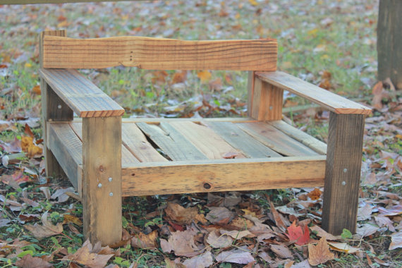 DIY pallet chair with sturdy arms