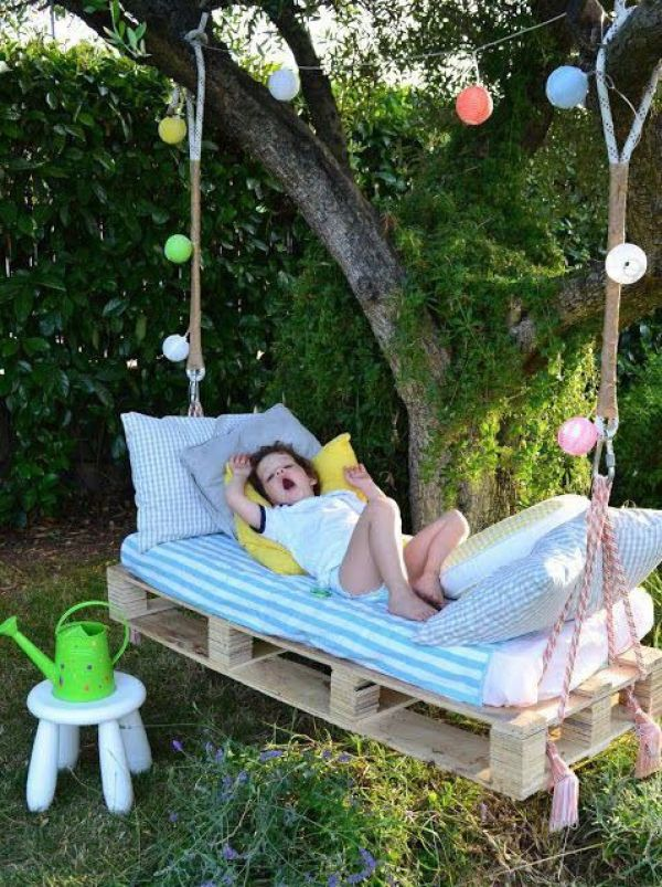 awesome diy pallet daybed3