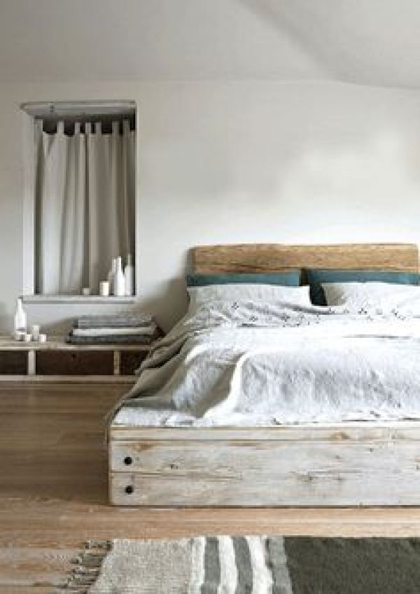 DIY wooden pallet bed designs